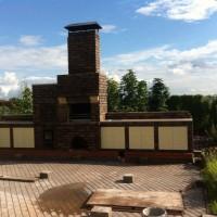 Летняя кухня с мангалом, коптильней, мойкой и столешницей